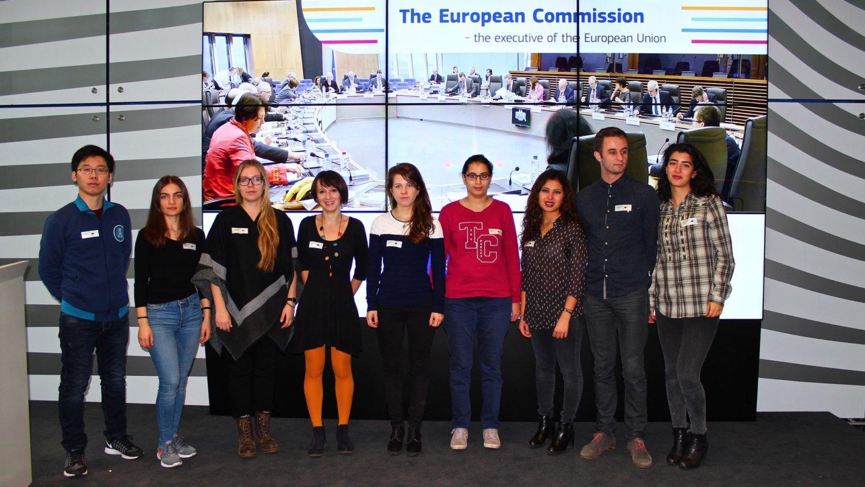 Stipendiaten und Freundeskreismitglieder bei der EU-Kommission