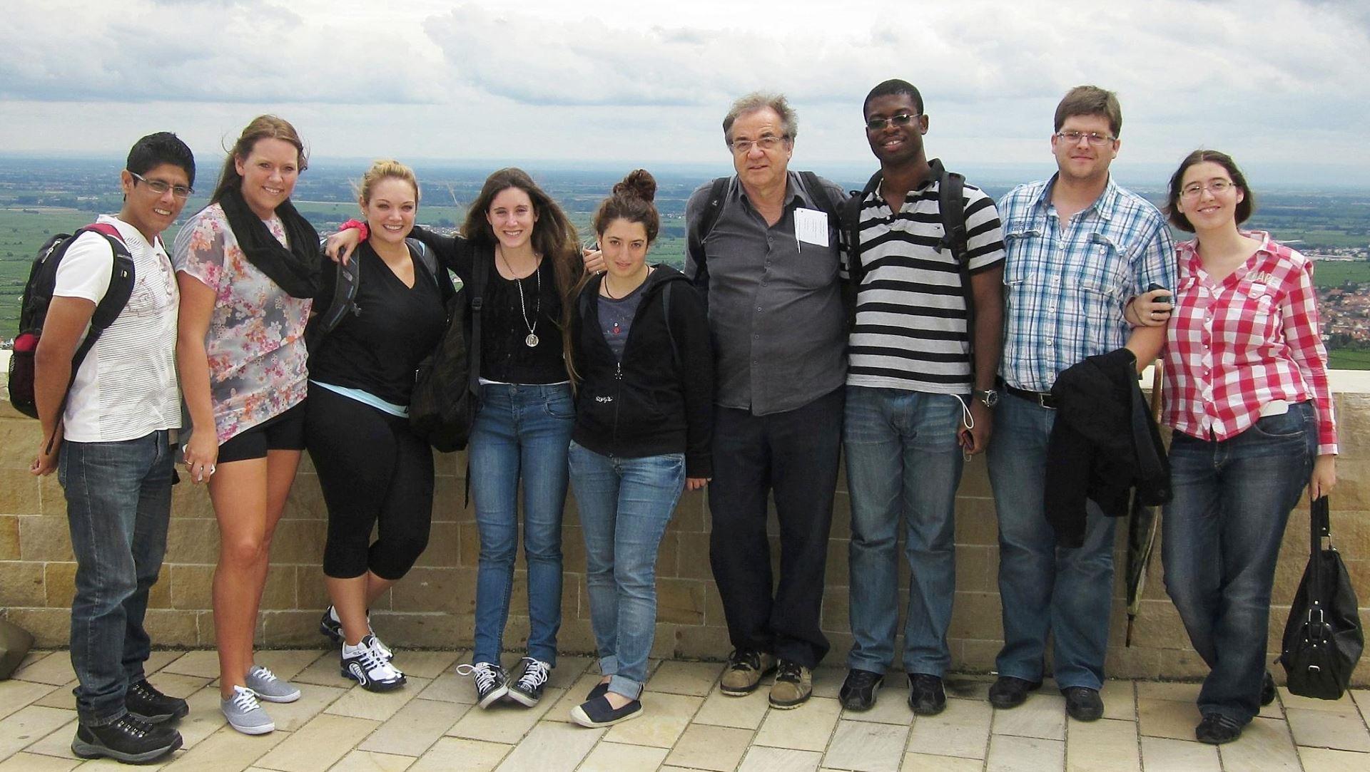 Gruppenfoto auf dem Hambacher Schloss